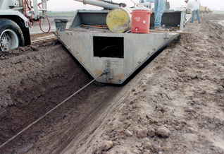 Concrete Canal Towed Boat Liner